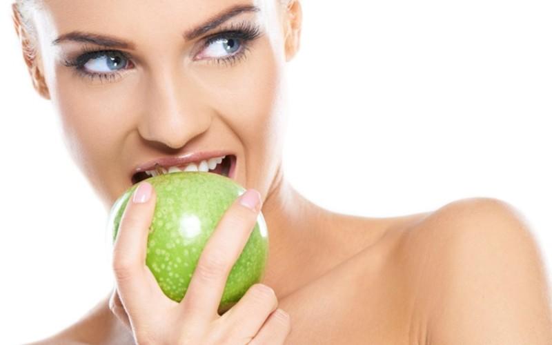 Комплексная чистка зубов у профессионального пародонтолога