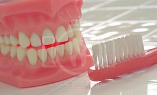 Как ухаживать за зубными протезами?