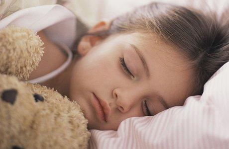 Детский бруксизм: причины и лечение