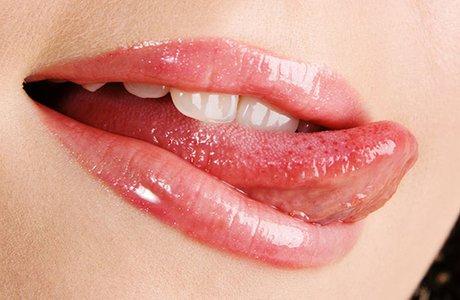 Налет на языке: причины и лечение