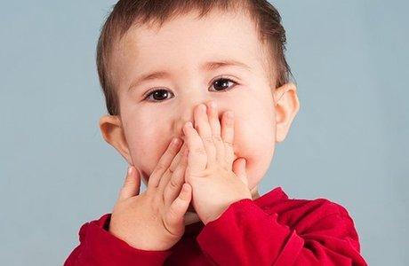 Шишка на десне у ребенка. Что делать? Как лечить гнойник?